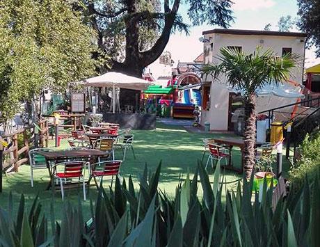 Parco giochi il bastione mediceo for Gonfiabili pistoia